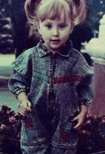 Аня Дзюба в детстве