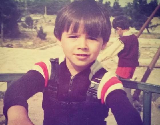 Эмин в детстве
